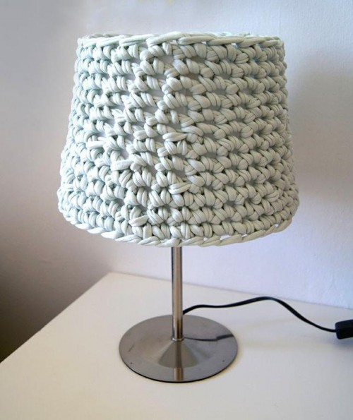10 Fabulous DIY Ways to Recycle Old Tees t shirt Knotted Lampshade tutorial e1428814495780