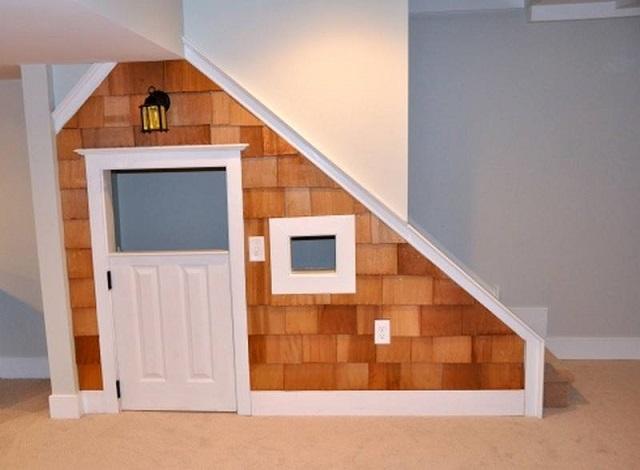 10 Incredible Kids Under Stair Playhouse DIY Ideas8