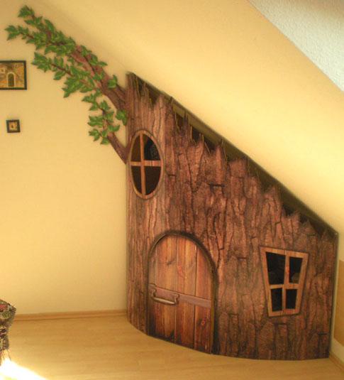 10 Incredible Kids Under Stair Playhouse DIY Ideas9