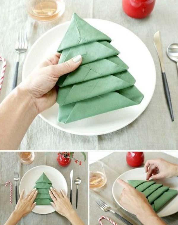 15+ Napkin Ideas For Yoyr Christmas Table Setting