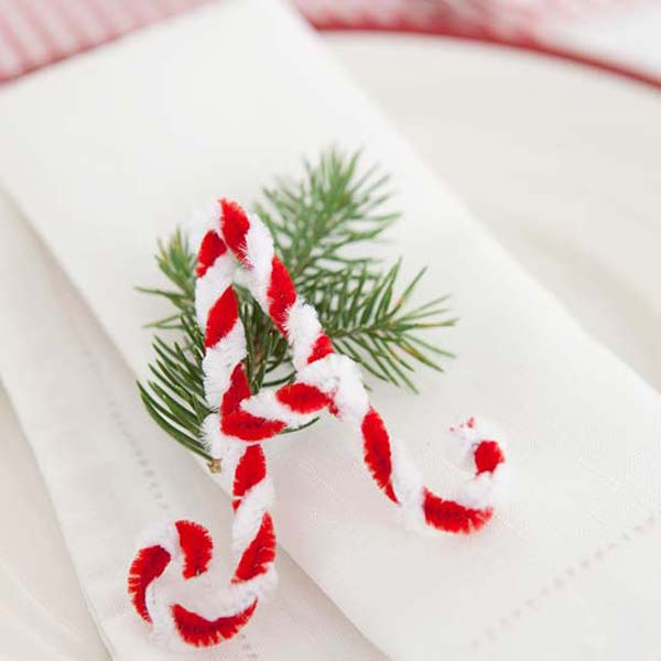 17 Super Delicate Napkin Ideas For Your Christmas Table Setting homesthetics decor 15