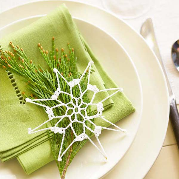 17 Super Delicate Napkin Ideas For Your Christmas Table Setting homesthetics decor 6