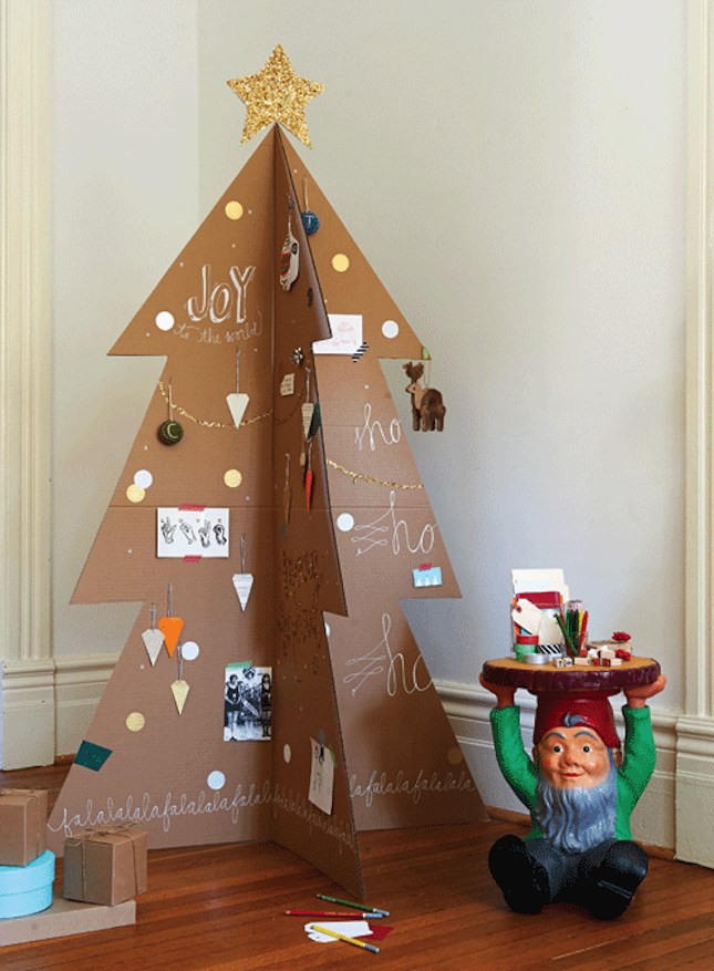 18 Exceptionally Brilliant Modern Christmas Tree Alternatives That You Can Embrace homesthetics 1
