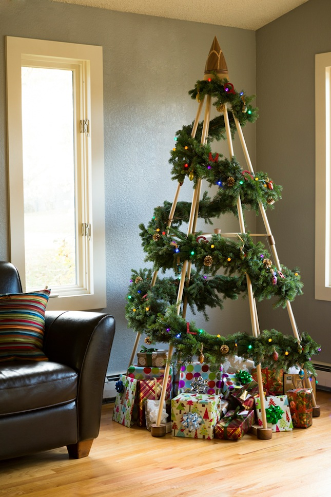 18 Exceptionally Brilliant Modern Christmas Tree Alternatives That You Can Embrace homesthetics 6