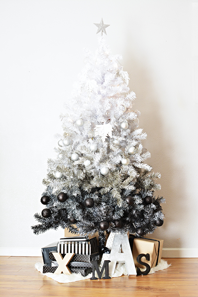 18 Exceptionally Brilliant Modern Christmas Tree Alternatives That You Can Embrace homesthetics 7