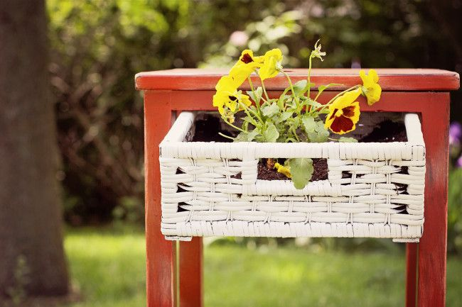 20 Creative Ideas and DIY Projects to Repurpose Old Furniture 27