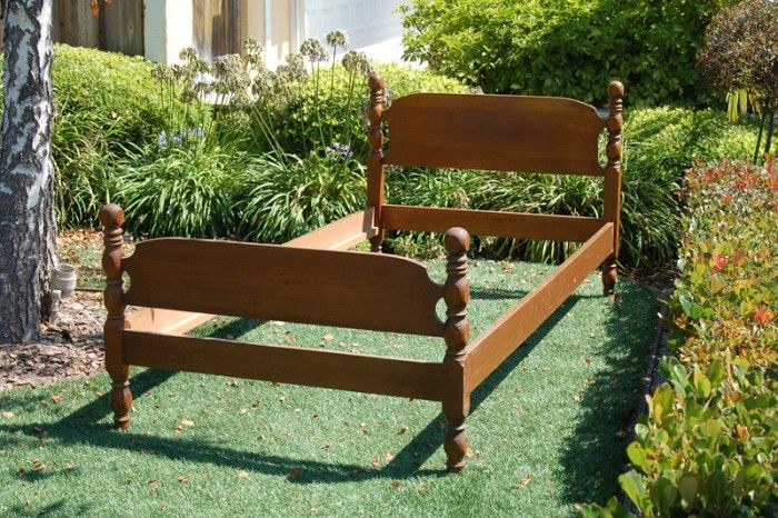 20 Creative Ideas and DIY Projects to Repurpose Old Furniture 7
