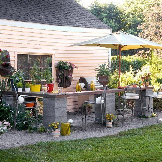 20 Creative Uses of Concrete Blocks in Your Home and Garden 10