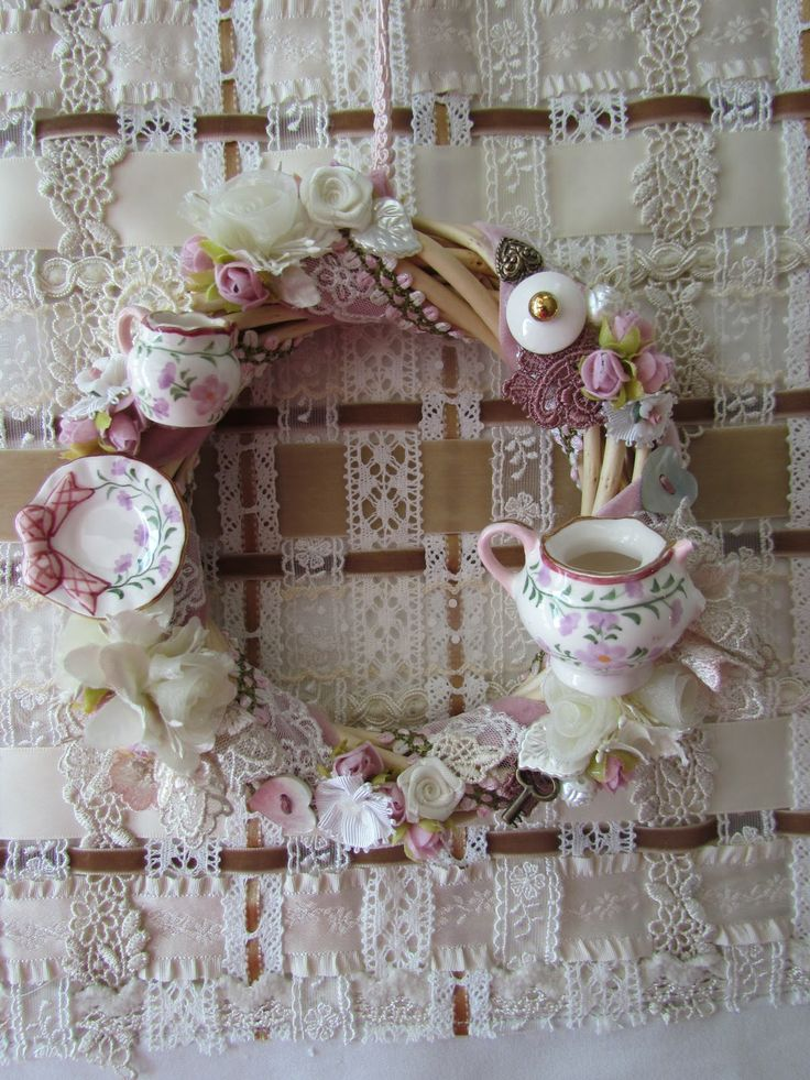 22 Awesomely Shabby Chic Christmas Wreath That Can Be Used All Year Round 16