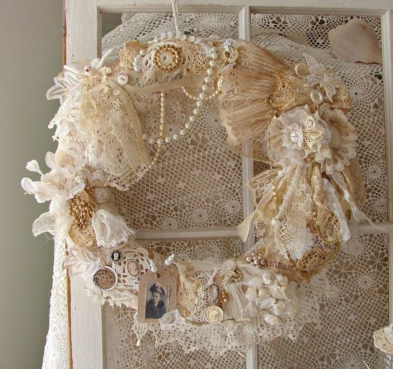 22 Awesomely Shabby Chic Christmas Wreath That Can Be Used All Year Round 20