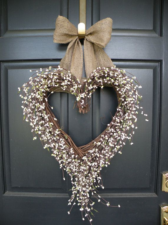 22 Awesomely Shabby Chic Christmas Wreath That Can Be Used All Year Round 4