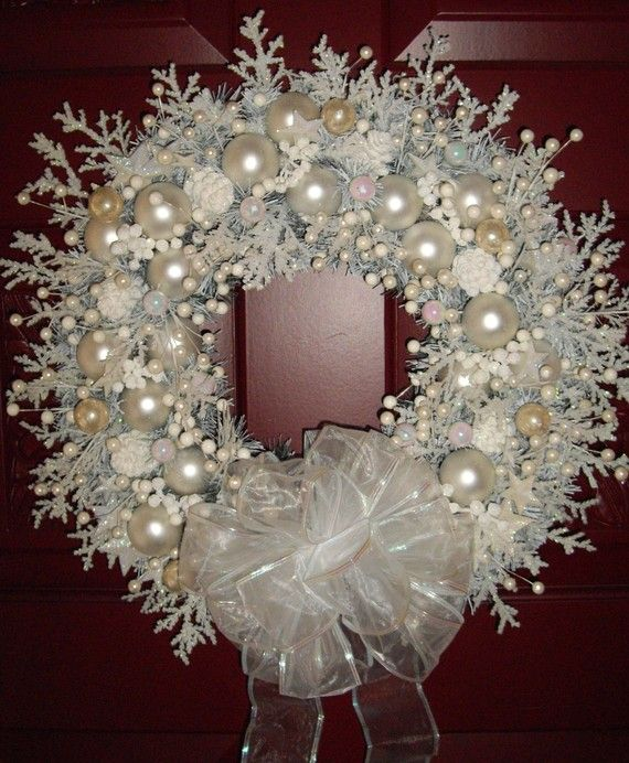 22 Awesomely Shabby Chic Christmas Wreath That Can Be Used All Year Round 8