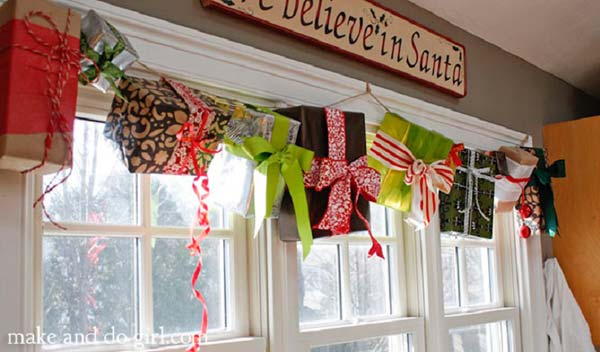 25+ Inspiring Last Minute Christmas Windows Decorating Ideas
