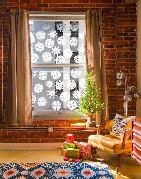 30 Insanely Beautiful Last Minute Christmas Windows Decorating Ideas homesthetics decor 10
