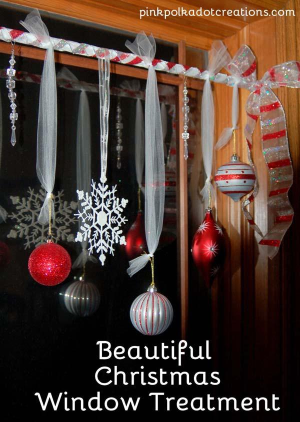 30 Insanely Beautiful Last Minute Christmas Windows Decorating Ideas homesthetics decor 12