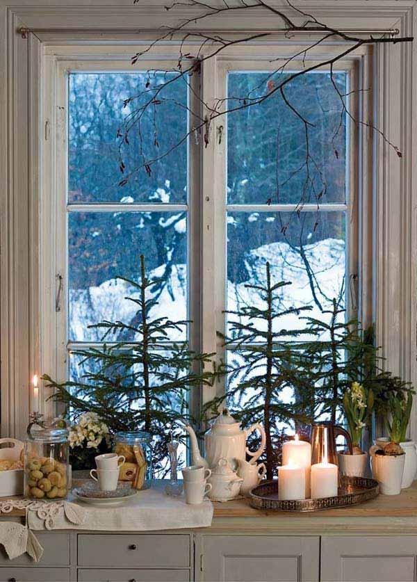 30 Insanely Beautiful Last Minute Christmas Windows Decorating Ideas homesthetics decor 24