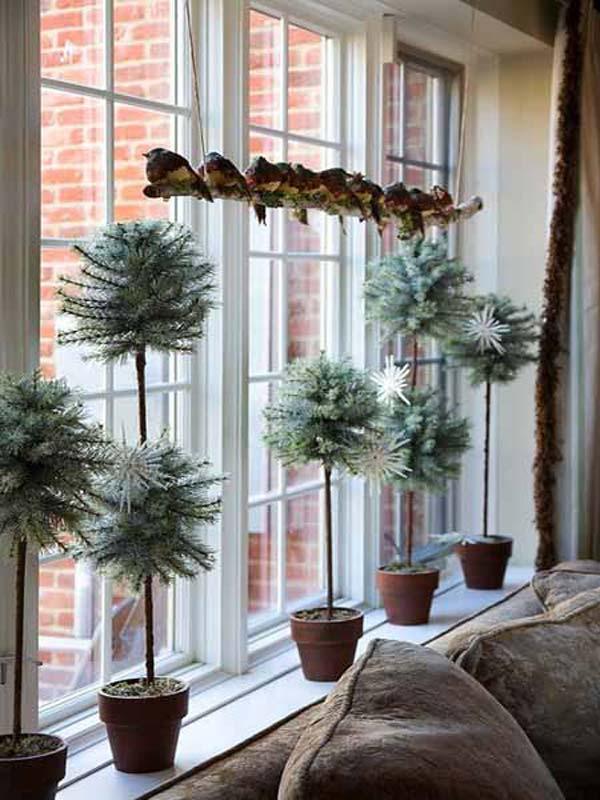 30 Insanely Beautiful Last Minute Christmas Windows Decorating Ideas homesthetics decor 26