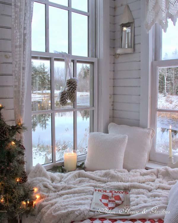 30 Insanely Beautiful Last Minute Christmas Windows Decorating Ideas homesthetics decor 30