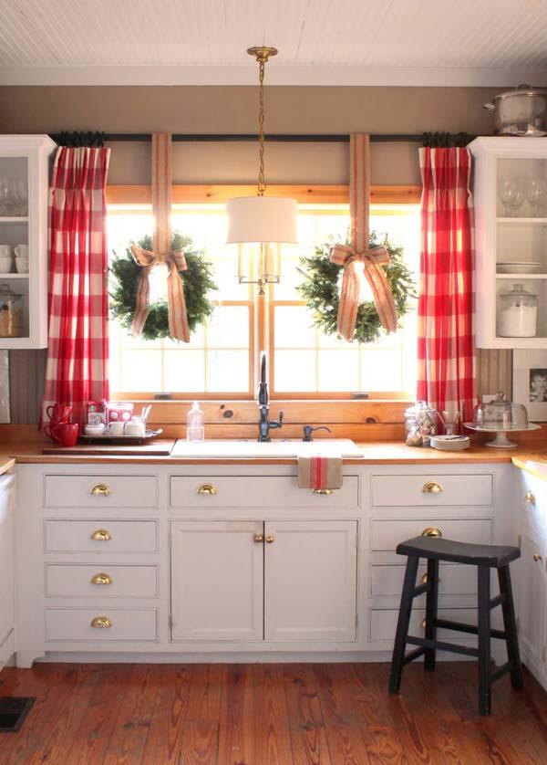 30 Insanely Beautiful Last Minute Christmas Windows Decorating Ideas homesthetics decor 5