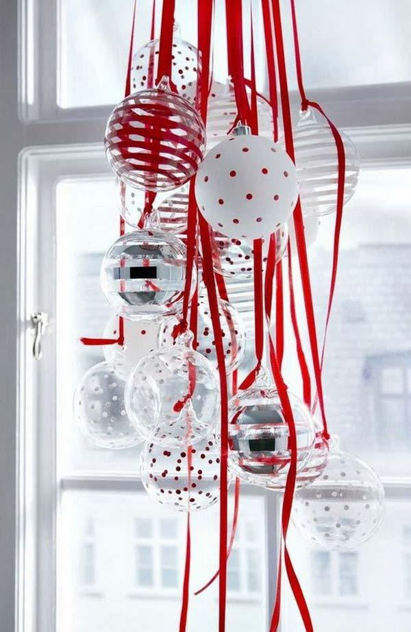 30 Insanely Beautiful Last Minute Christmas Windows Decorating Ideas homesthetics decor 9