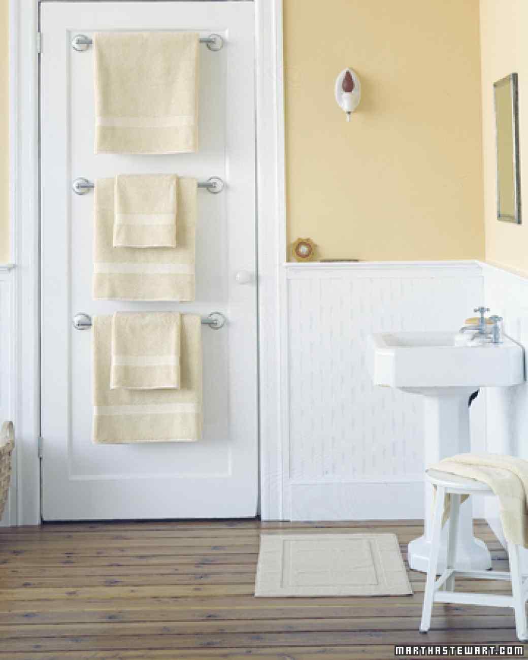 AD Brilliant DIY Storage And Organization Hacks For Small Bathrooms 26