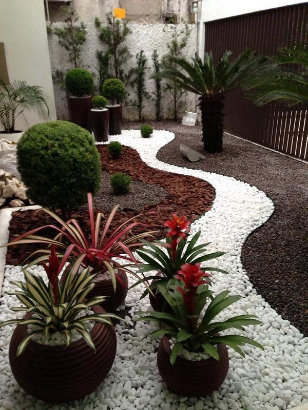 AD Garden Ideas With Pebbles 02
