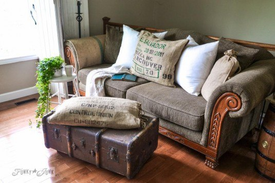 10+ Creative DIY Ottoman Ideas