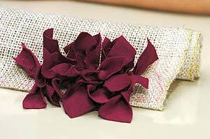 How to DIY Simple Rug from Fabric Scraps 12