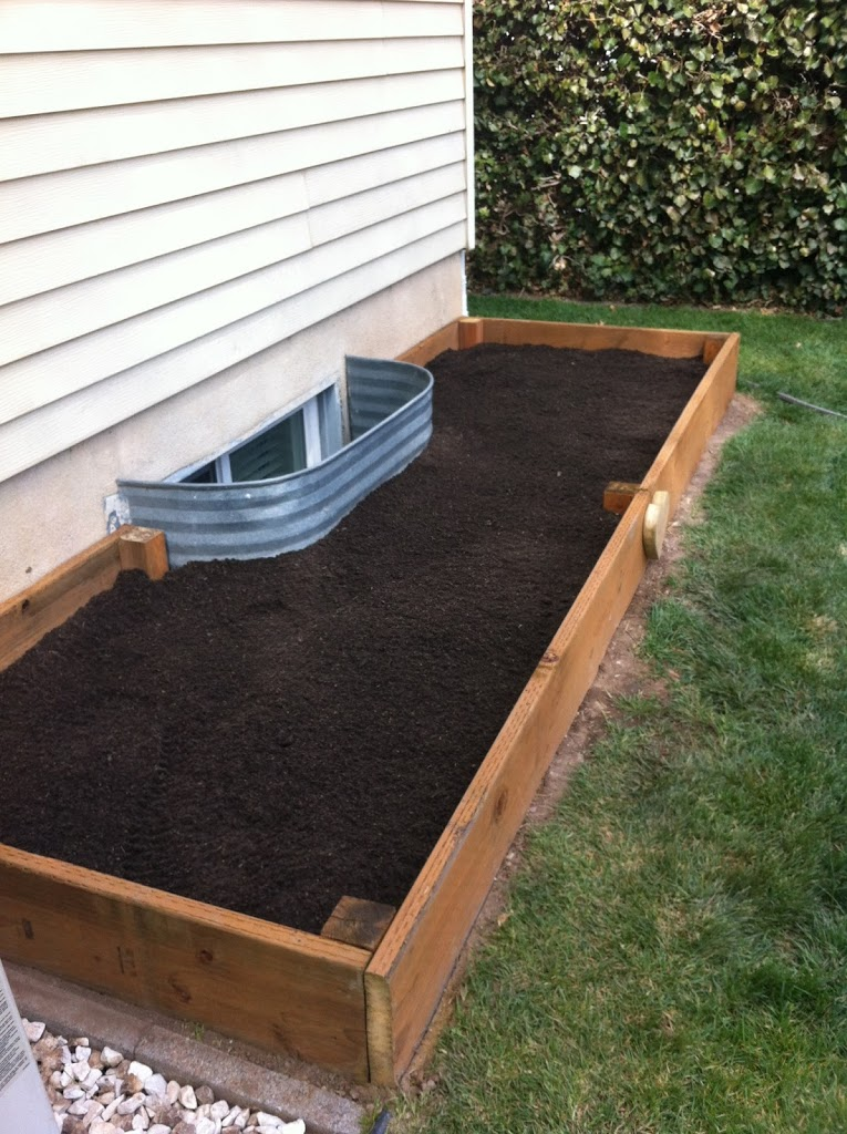 15 Cheap & Easy DIY Raised Garden Beds