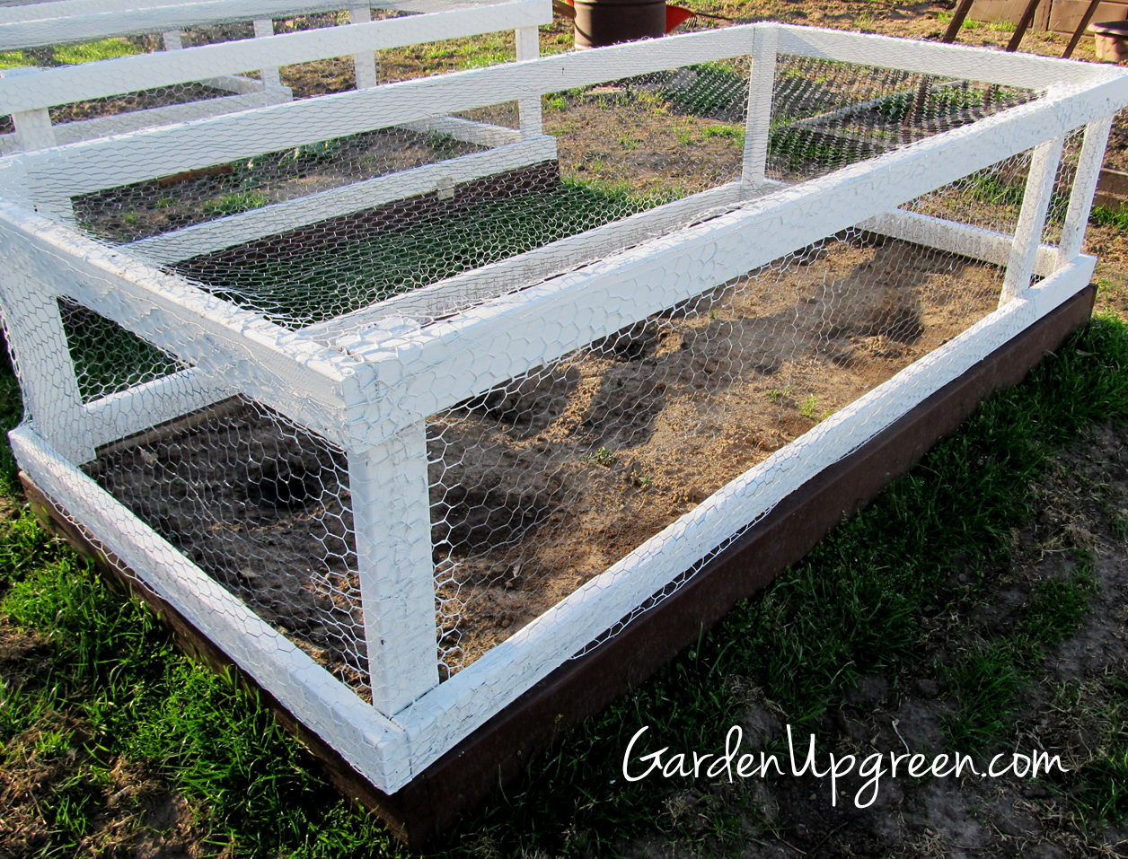 Cheap Easy DIY Raised Garden Beds