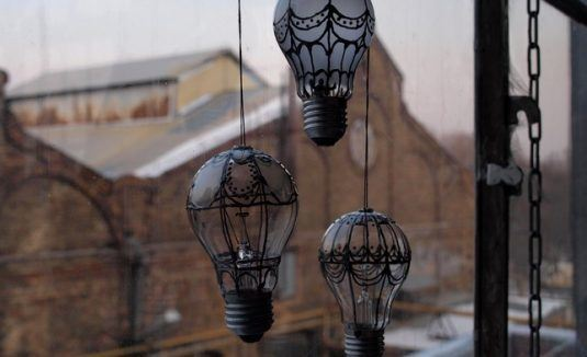 Recycle-Old-Light-Bulbs-4