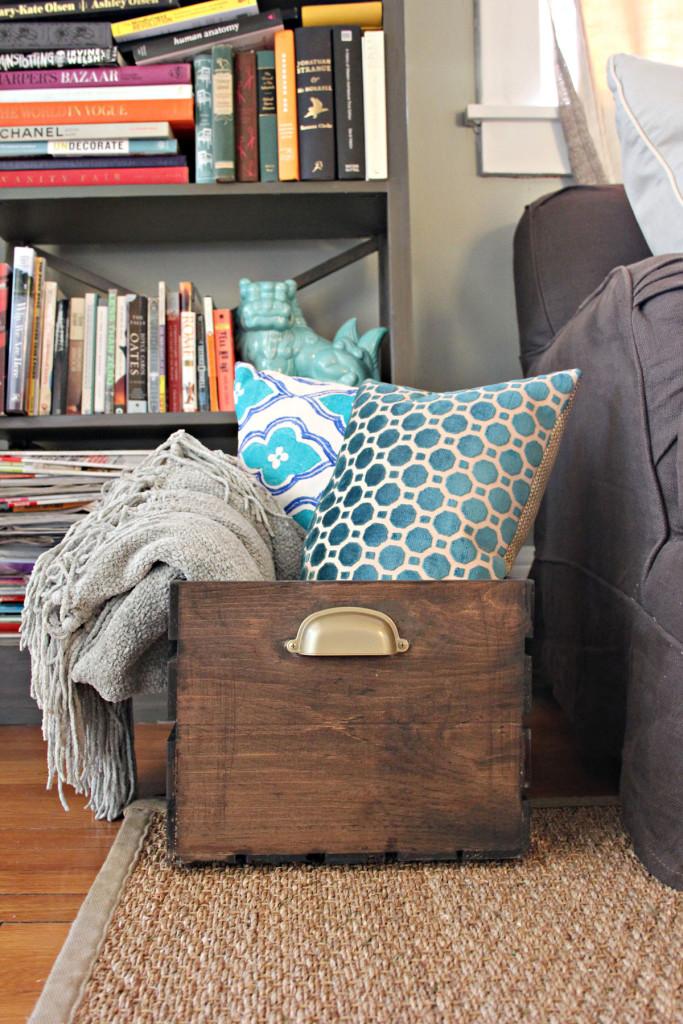 Throw Blanket Pillow Storage