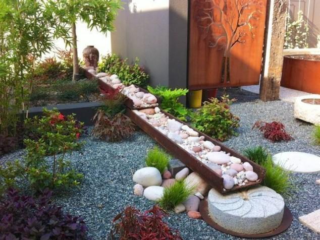 acier corten deco murale jardin galets