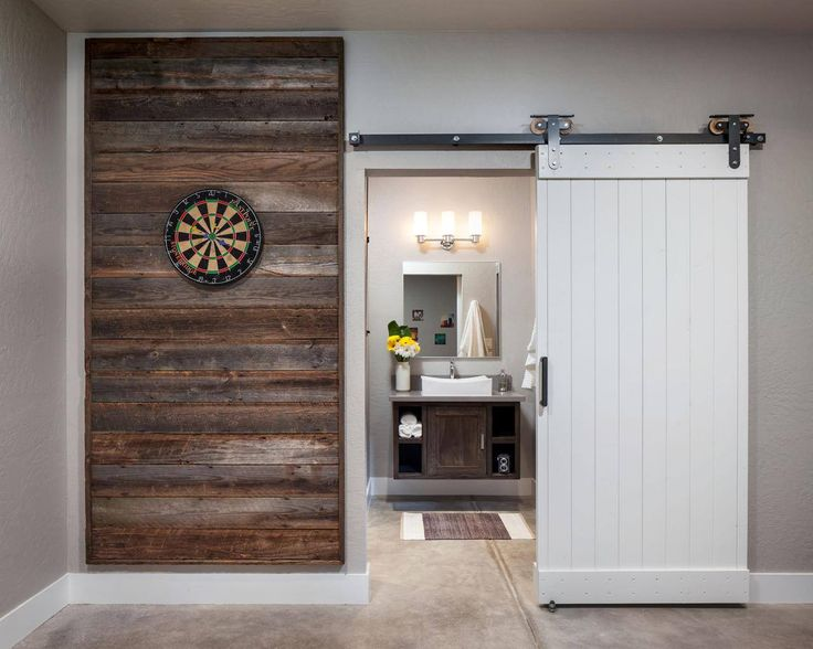15+ Charming Barn Doors Reuse Ideas