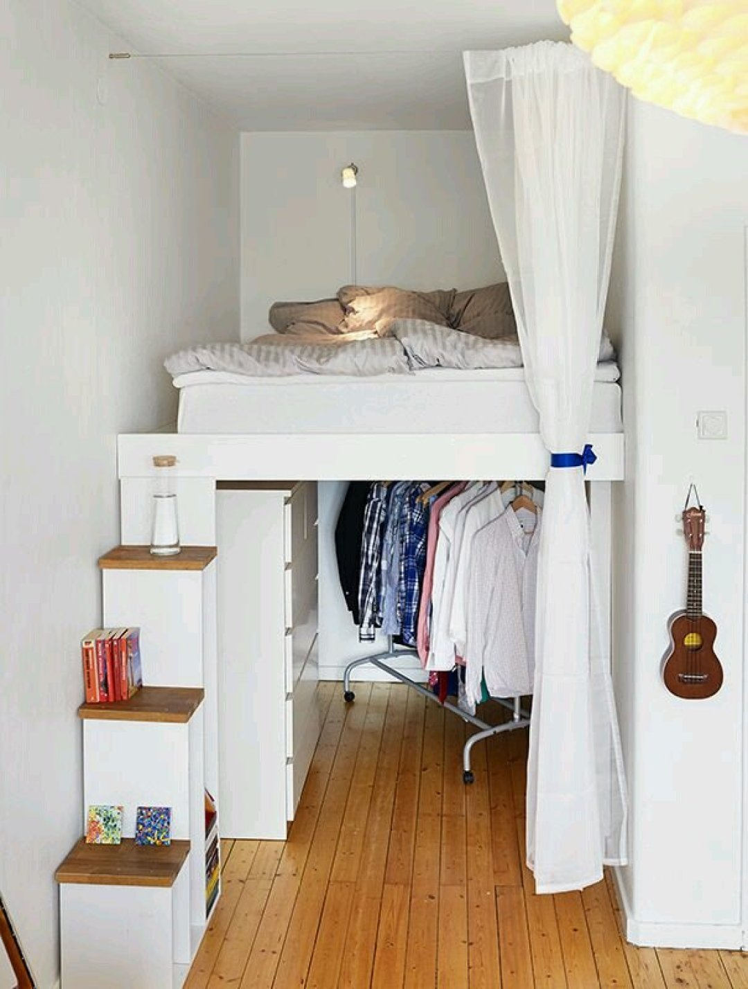 10 creative bed ideas ideal for small spaces for Creative beds for small spaces
