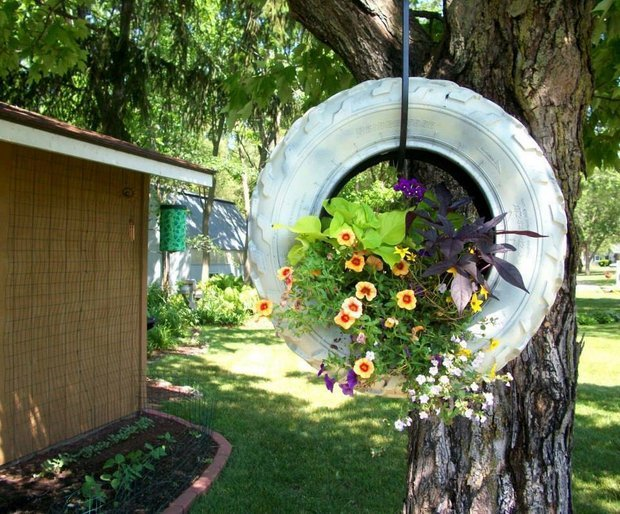 15+ Superb Car Tire Crafts for Your Home and Garden