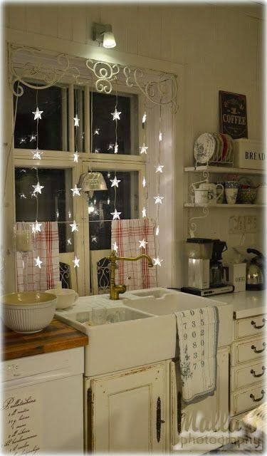 christmas-windows-decorating-ideas-10