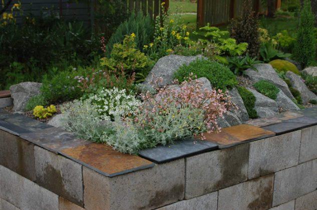 cinder-block-garden-8
