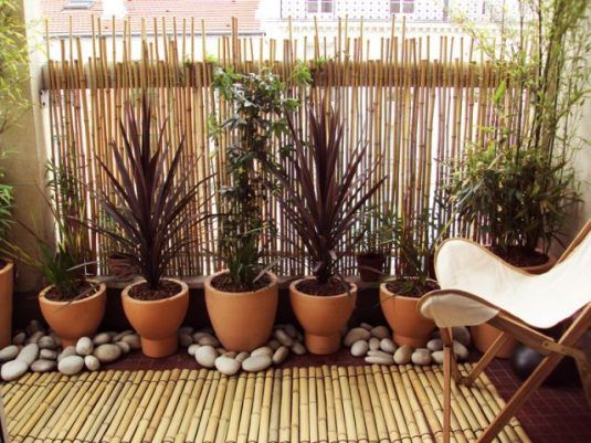 decorate your balcony with pebbles 8