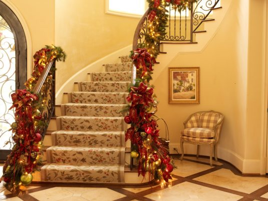 decorate-your-living-room-for-christmas-8