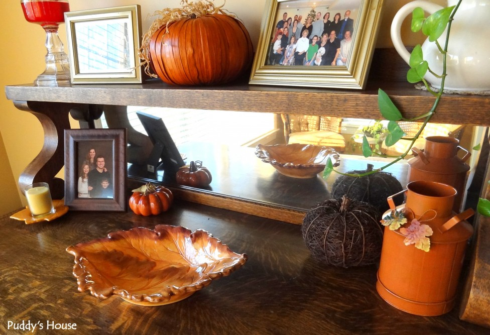 fall decorating puddy house