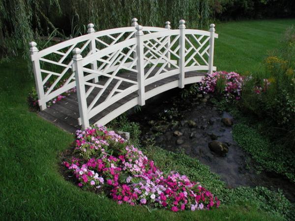 garden bridges 18