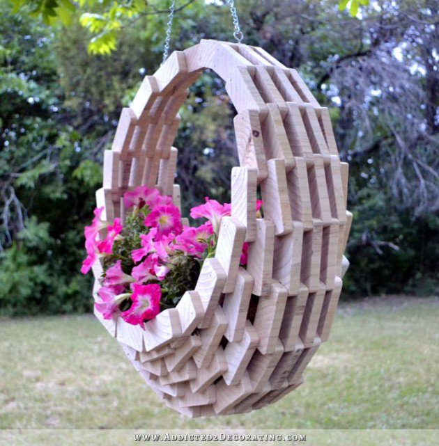 Decorations To Make Your Garden Look More Interesting
