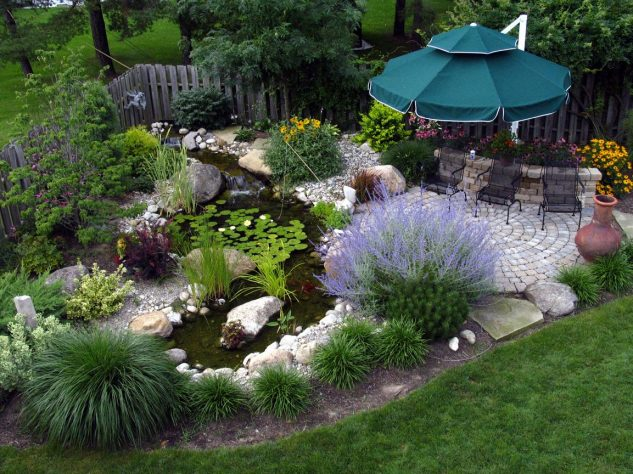 garden fountains and water ponds 11