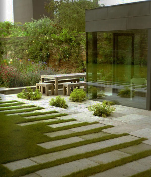garden pathway 24