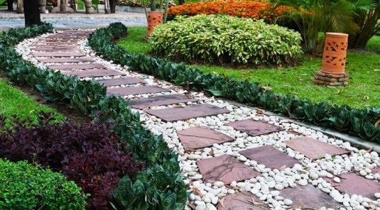 Lovely Pathways For A Beautiful Home Garden