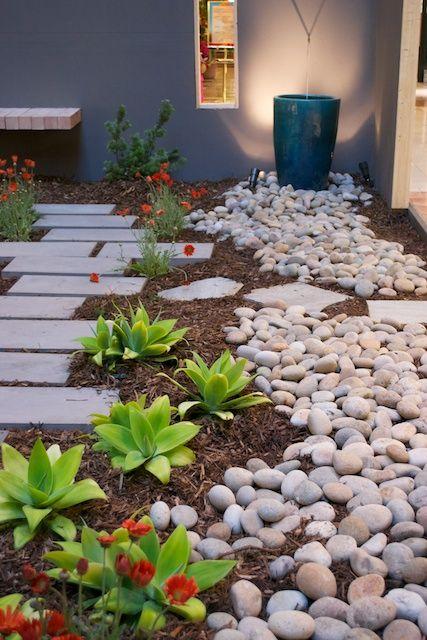 garden-pathways-ideas-10
