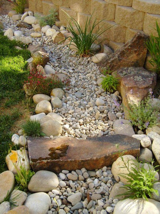 garden-pathways-ideas-20