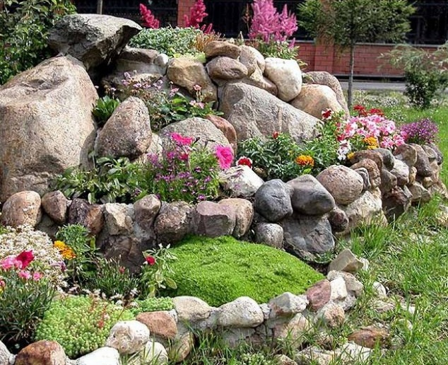15 awesome garden design with stones and rocks - Garden Design Using Rocks