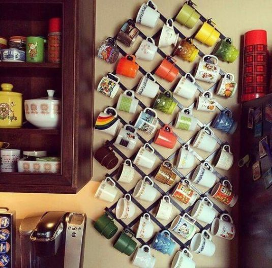 10+ Unique Mug Storage Ideas for Your Kitchen